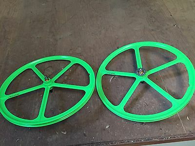 New 700C Green Fixie/Fixed Gear Wheel Set - Front And Back!