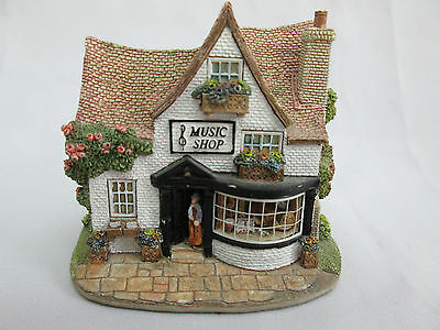 Lilliput Lane The Music Shop - 'the Right Note'
