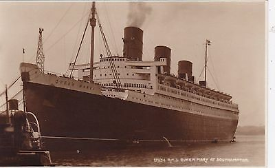 Original Vintage  Judges Real Photo Postcard, Queen Mary At Southampton, Unused