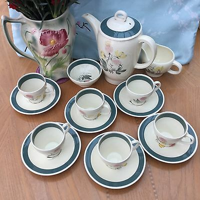 Beautiful 21 piece Susie Cooper meadow sweet coffee set. Absolutely stunning