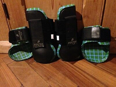 Tendon Boots Norton Black and green Full size