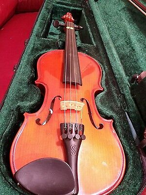 student violn 1/4 in Case and Bow