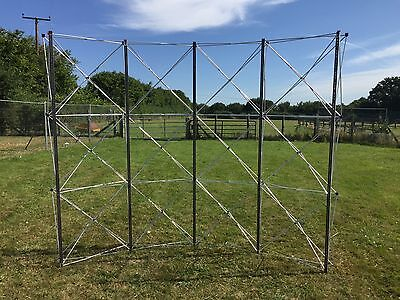 Nomadic Instand Display Stand and Case 8fT X 8FT?