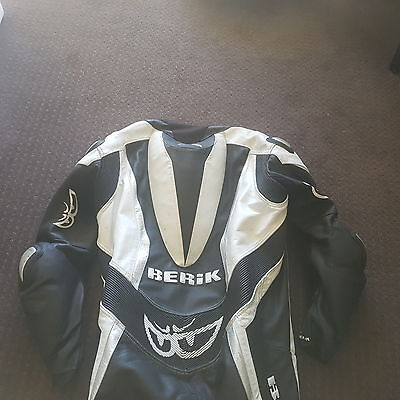 Berik motorcycle bike race 1 piece suit leather size 60 in good condition