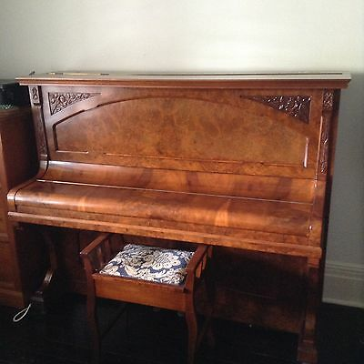 Ronisch Three Crown Upright Piano