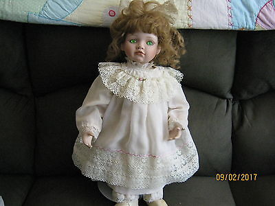 Porcelain Doll on stand Hamilton Collection Green eyes Brown/gold hair Pick up
