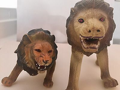 RARE COLLECTIBLE 2 Large PVC Plastic Attacking JUNGLE LIONS Heavy & Lifelike