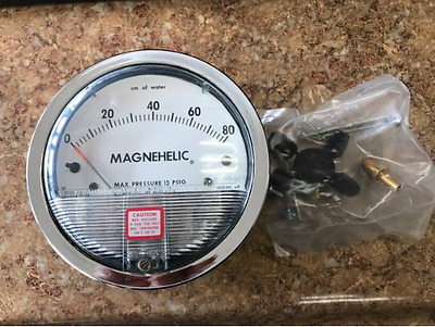 Dwyer Magnehelic Differential Pressure Gauge of water 15 PSI 165955-00