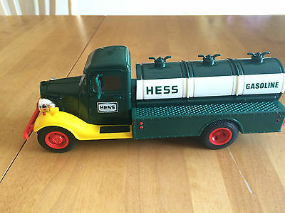 """HESS 1982 -- """"The First Hess Truck"""" RED SWITCH. *MINT"""