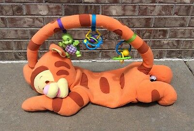 Fisher Price 1 2 3 Baby Tigger and Me Gym Floor Play Mat Pooh Activity Center