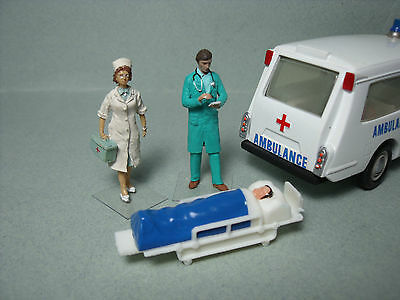 Set 82  Brancard  Ambulance  Superior  Criterion  Dinky Toys   Vroom  A  Peindre