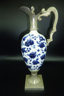 Riprod Vietata CC Art 2598 Italian Decanter Hand Painted With Blue Roses
