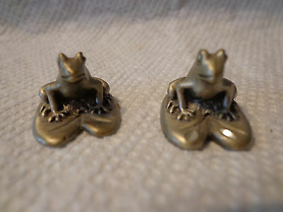 CUTERI Pewter 2X Miniature Frogs on Lily Pads USED