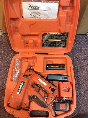 Paslode IM250A Cordless 16 Gauge Angled Finish Nailer F-16 Kit - 2 Batteries