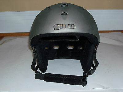Giro SST Ski Snowboard Helmet in Flat Grey with Black Trim