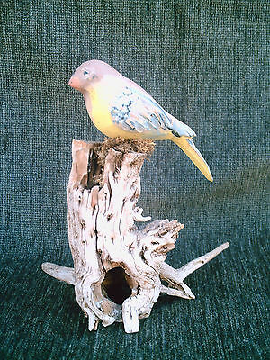 "NICE CARVED GOLD-FINCH BIRD SCULPTURE on DRIFTWOOD 8-1/2"" Painted Decoy Figurine"
