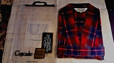 Vintage Men's Robe by Cascade, Red & Black Plaid, new in package, pre barcode