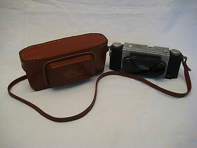 Vintage Realist Stereo Camera with David White Anastigmat Lens