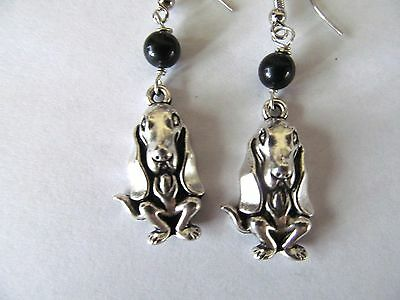 HANDCRAFTED SILVER PLATED HOUND DOG w/BLACK BEAD PIERCED EARRING