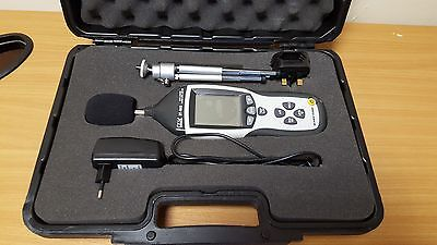 CEM DT-8852 Sound Level Meter Data Logger Great Condition Free Postage