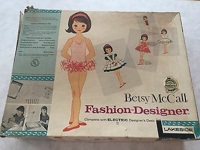 Rare 1961 Vintage Betsy McCall Fashion Designer by Lakeside. ELECTRIC DESIGN
