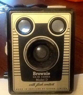 Brownie Camera And Original Bag  Six-20  Model  D With Flash Contacts
