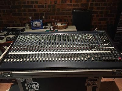 Yamaha MG32/14FX Professional console / desk / mixing / Mixer with Roadcase
