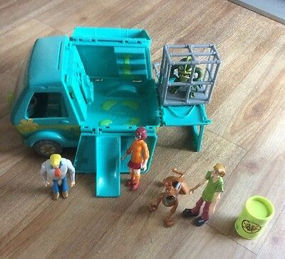 Scooby Doo Mystery Machine Van With Figures  And Bad Villain And Cage Playset
