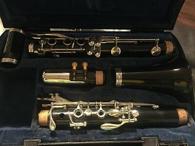 Boosey & Hawkes Clarinet - Bb Beginners Clarinet - Excellent Condition