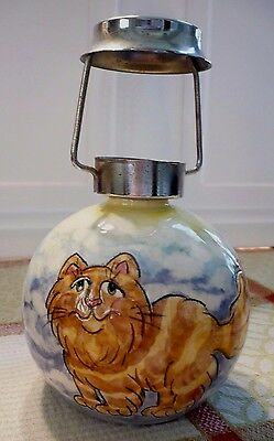 Adorable hand-painted TABBY CAT on pottery in vivid colors.Excellent condition