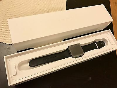 Apple Watch Series 2 42mm Space Grey Aluminium Case Black Sport Band
