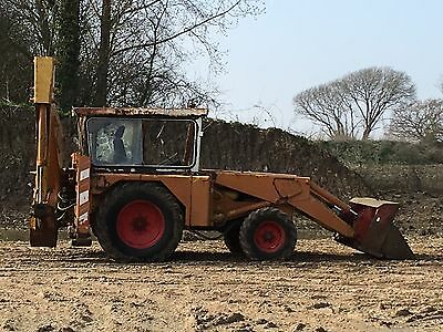 Jcb 3c Mk2 With Clam Bucket, Rebuilt 498 Engine starts on the key, just serviced