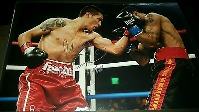 Julio Diaz autographed 12x18 photo  SFV-AUTOGRAPHS