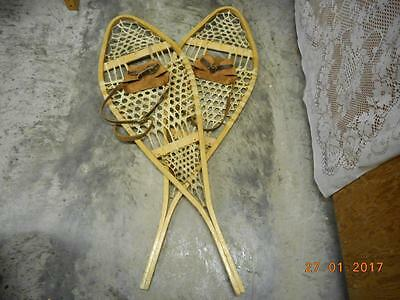 ANTIQUE VINTAGE CANADIAN QUEBEC WOODEN SNOWSHOES 42 X 13 nice DECOR