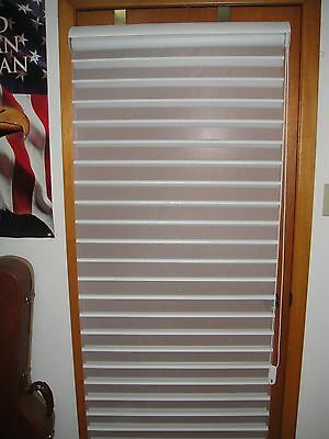 "HUNTER DOUGLAS DUETTE/APPLAUSE WINDOW SHADE 28"" x 64 3/4"" WHITE"