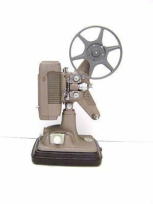 Vintage 1940's Revere P-90 8mm Movie Film Projector