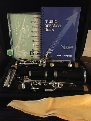 Yamaha YCL250 Bb Clarinet Package