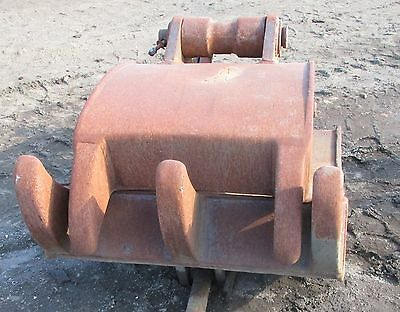 Used 3 x 2 Clamshell Grapple Attachment for small excavator