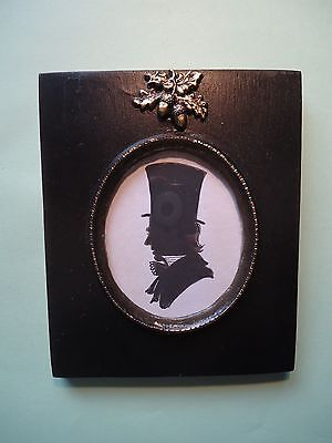 Silhouette  Of  A  Victorian  In  A  Top Hat