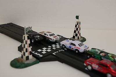 MODEL MOTORING DELUXE START - FINISH PYLONS ,WEATHERED NICELY for AFX,TYCO