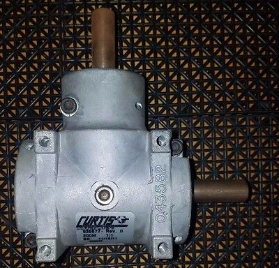 """90° Right Angle Gear Box Curtis 935577 200M 1:1 Ratio 3/4"""" shafts"""