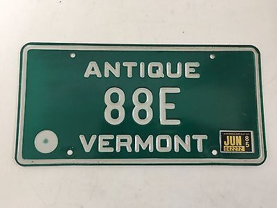 1976 Vermont ANTIQUE VEHICLE License Plate 88E - Low Number Car Truck