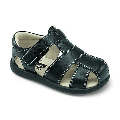 See Kai Run First Walker Shoes Jude Black Size 9