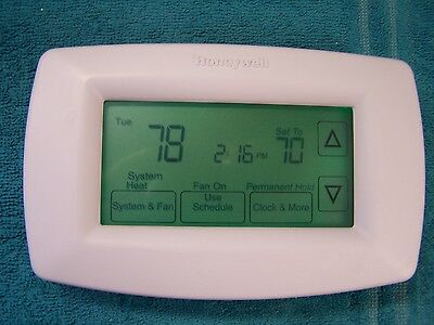 Honeywell RTH7600D1030 7-day Programable Touchscreen Thermostat RTH7600