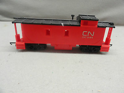 Tri-ang Hornby CN orange R115CN Caboose in rare CANADIAN CABOOSE