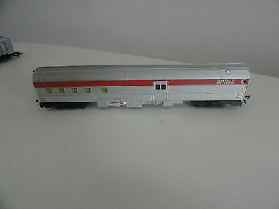 triang tri-ang 2nd series R4423 canadian pacific baggage car CP Rail