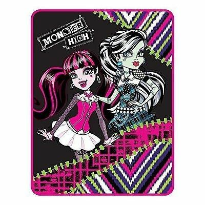 Monster High My Best Ghouls Throw
