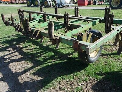 John Deere 100 3-Point Chisel Plow w/ Gauge Wheels, Reversible Points, Tag #916