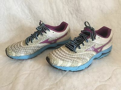 Mizuno women's white/ multi running sneakers in size 8.5