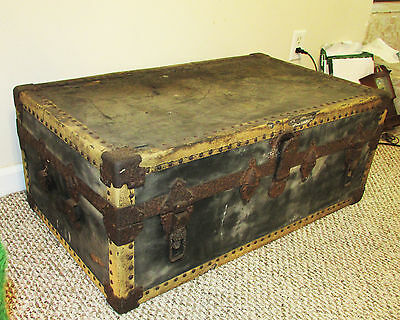 Vintage Antique Early 1900's Riveted Wooden Trunk Chest Footlocker w/ Insert